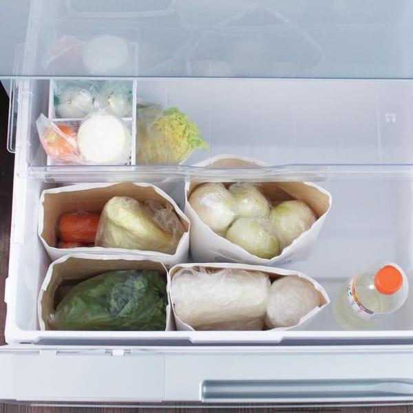 冷蔵庫の野菜室には紙製ストッカーが便利