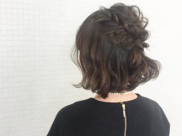 ボブヘアハーフアップ×編み込みまとめ髪アレンジ