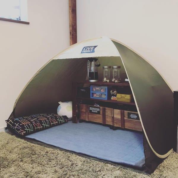 テントを秘密基地がわりに