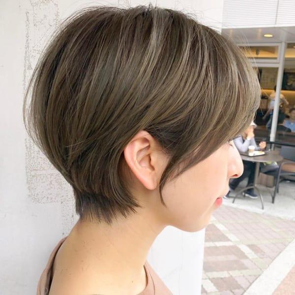 ストレートの耳かけアレンジヘアスタイル