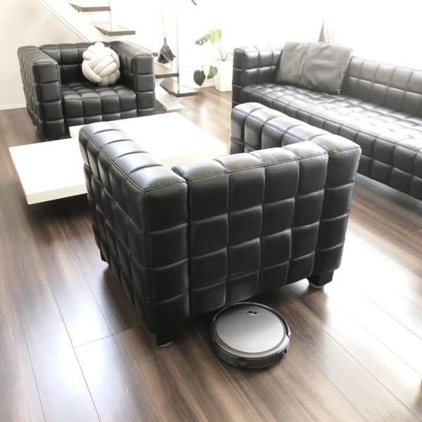 印象的なソファを使ったおしゃれなリビング