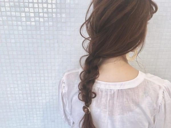 ヘアゴム1本×編み下ろしまとめ髪アレンジ