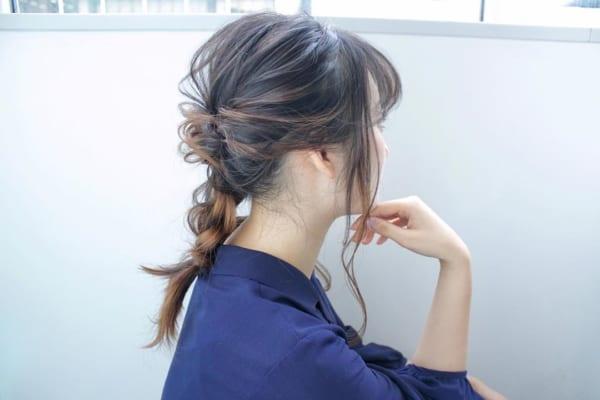 デザインカラー×編み下ろしまとめ髪アレンジ