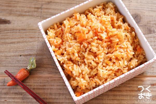 めんつゆでアレンジ料理!人参の炊き込みご飯