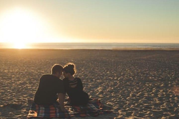 大人デートの会話のマナー