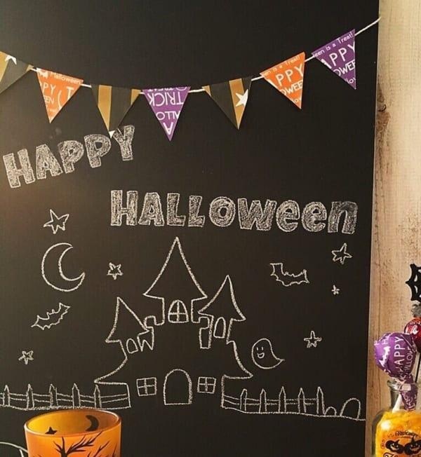 黒板に折り紙の装飾でウェルカムボード
