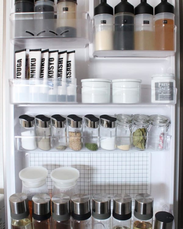 冷蔵庫のポケットに隙間なく収納できるケース