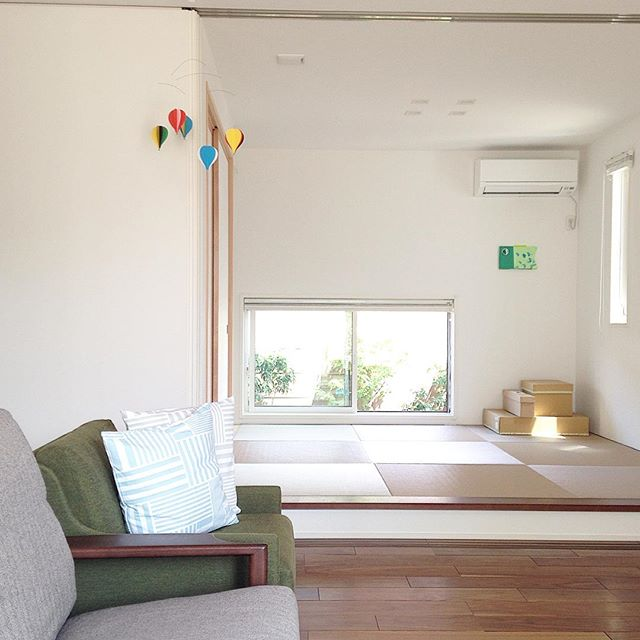 洋室空間とも馴染む自然光が優しい和室