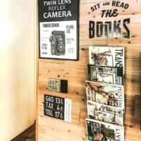 まるで小さな本屋さん♡本棚の「見せる」収納テクニック・DIYアイデア