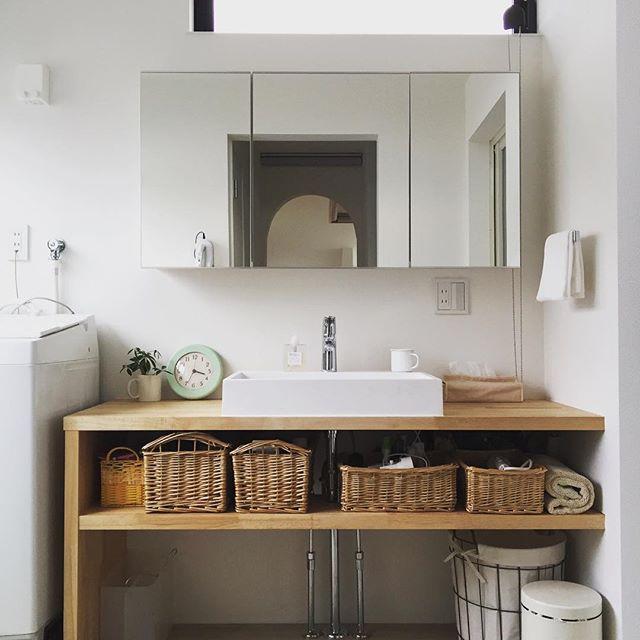 洗面台周りに余計なものを置かないのがコツ