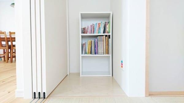 アクリル仕切りスタンドで文庫本を美しく整頓