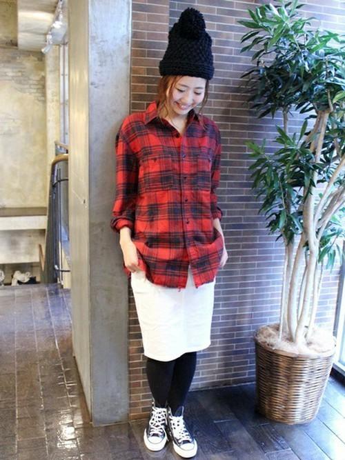 チェックシャツ×タイトスカートの冬コーデ6