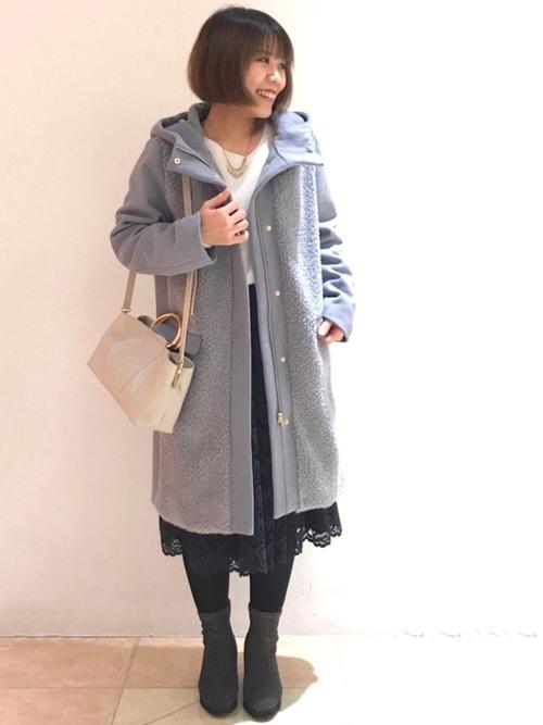 ネイビーレーススカート×きれいめコート