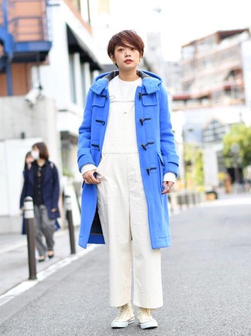 水色 コート コーデ2