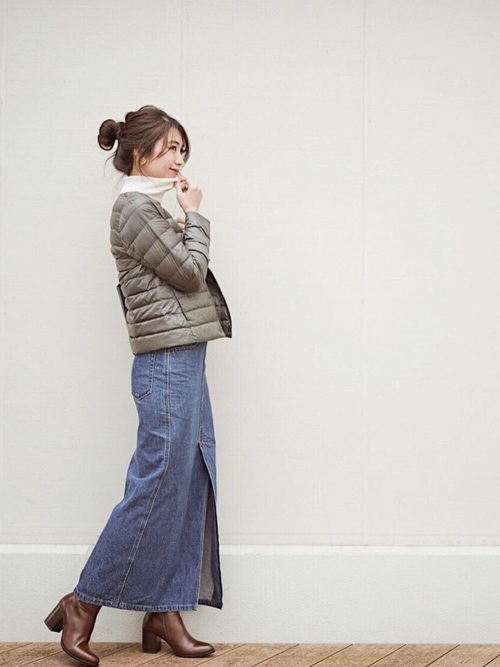 【ユニクロ】ダウンジャケット×デニムスカート