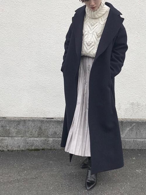 マキシ丈スカート×ガウンコートコーデ
