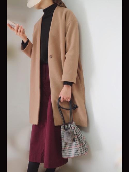 ワインレッドのロングタイトスカートで差し色コーデ