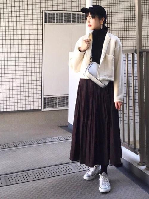 黒キャップ×ロングギャザースカート