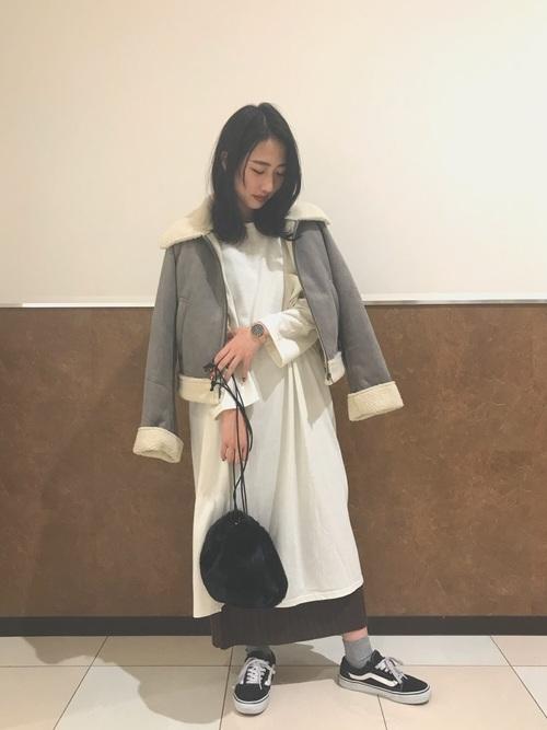ワンピ×ロングタイトスカートの上級レイヤードコーデ