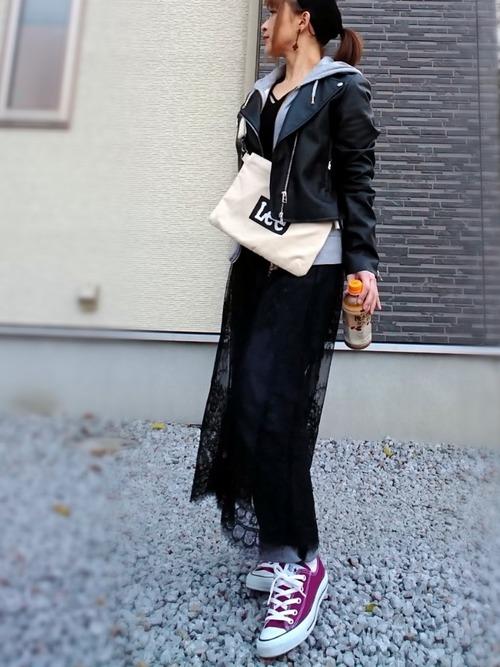 黒レーススカート×ショート丈ライダース