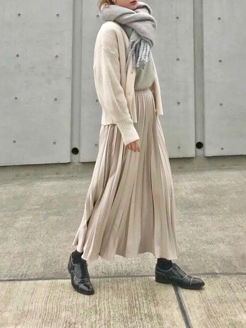 最高気温13度 服装 スカートコーデ