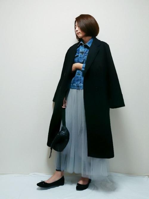 黒チェスターコート×チュールスカート