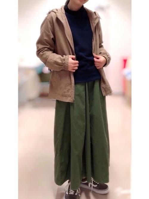 [haco!] 【再入荷】【残りわずか】ロングシーズン楽しめる タックボリュームのチノロングスカート