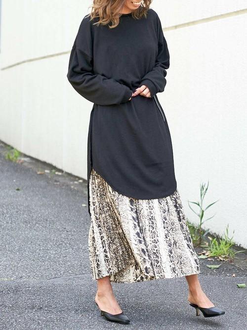 [Delyle NOIR] パイソンプリーツスカート
