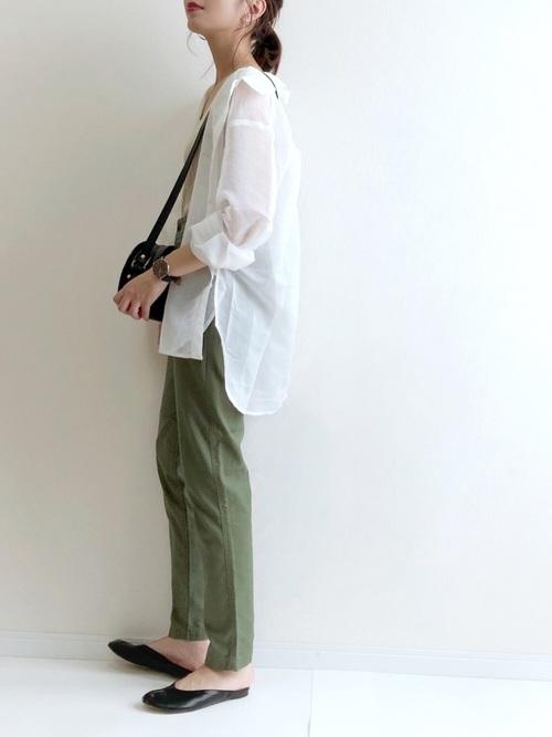 おしゃれな白シャツの今日の服装【パンツ】