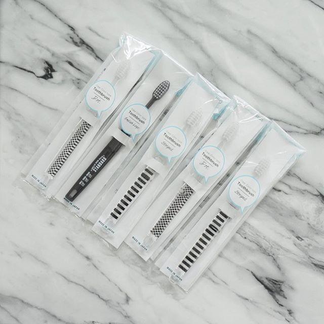 【セリア】モノトーンの歯ブラシ