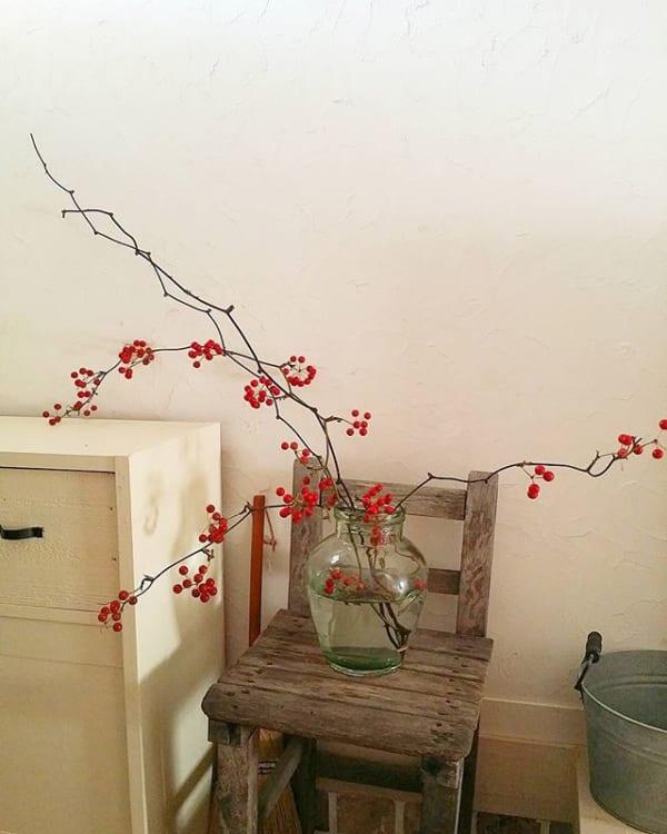 季節の枝花を飾った大人女子のおしゃれ玄関