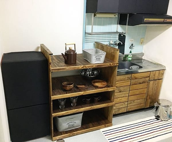 DIYで賃貸アパートが本格的男前キッチンに
