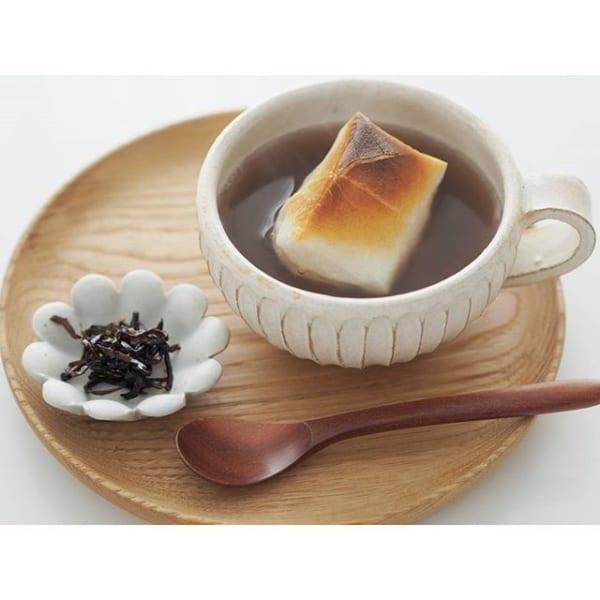 この発想はなかった!カフェオレカップでお汁粉?