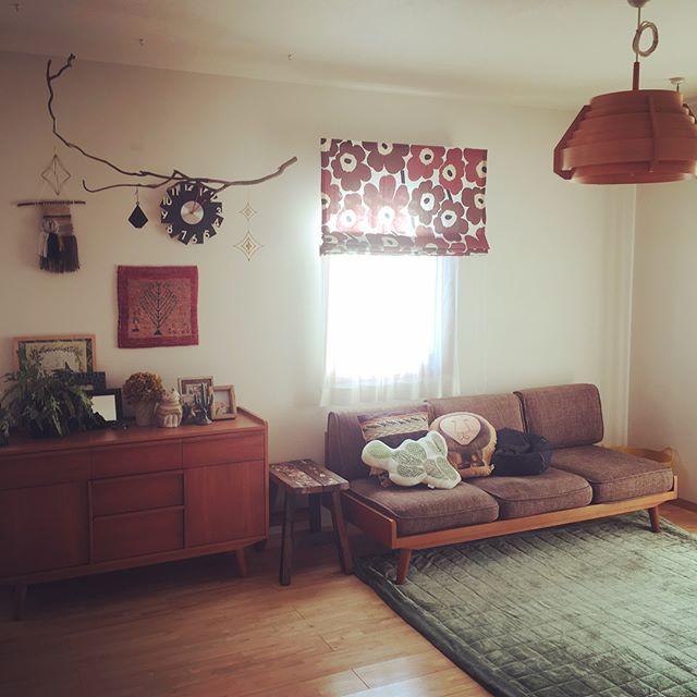 床や家具の色調を合わせた北欧風インテリア