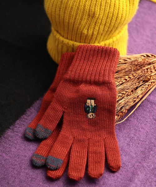 大人可愛いとフェミニンが共存する人気のレディース手袋