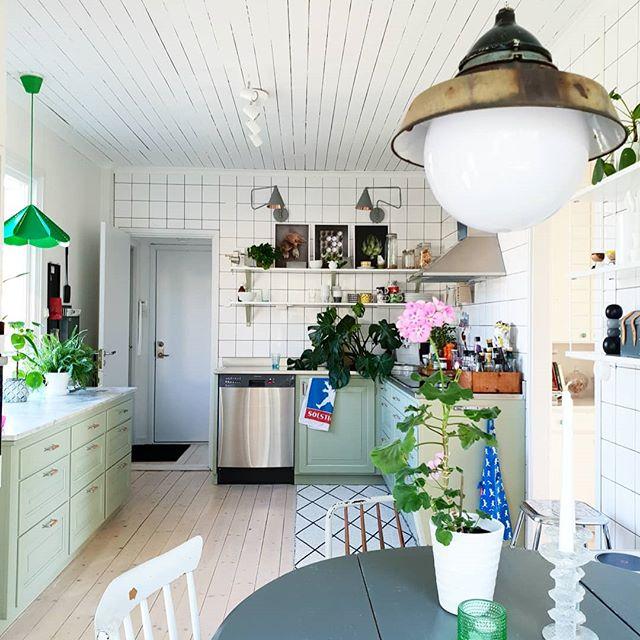 コンパクトで可愛い海外のキッチン