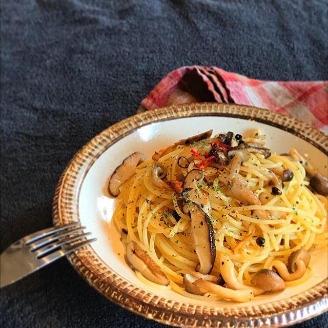 彼氏のために作るレシピにきのこのペペロンチーノ