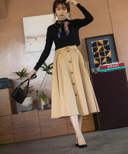 9[tocco closet] ゴールドボタンフレアスカート