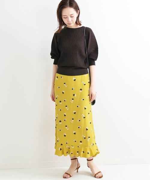 半袖ニットのフェミニンな今日の服装【スカート】