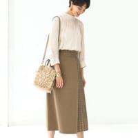 ブロッキングスカートの秋スタイル15選♪ハイセンスなデザインでコーデを格上げ
