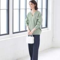 緑ニットコーデ25選♡スカート・デニムetc.おしゃれな着こなしをご紹介!