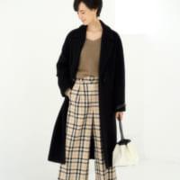 黒チェスターコートのレディースコーデ集☆女性らしいカジュアルな着こなし術♪