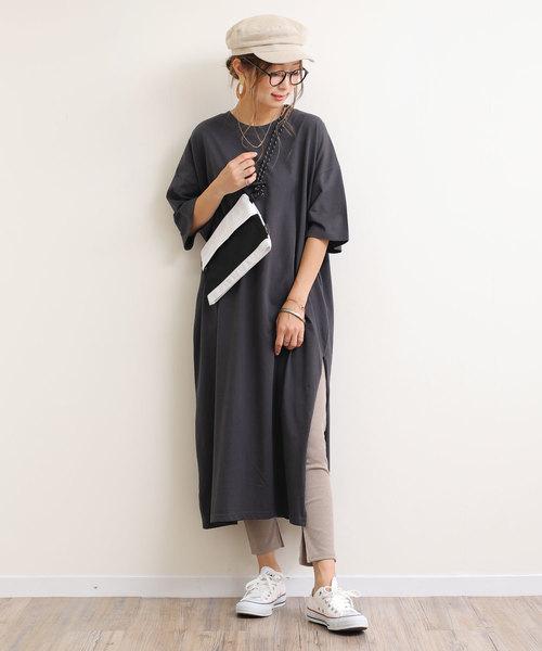 [and Me(アンドミー)] 背中ロゴプリントオーバーサイズ半袖Tシャツワンピース