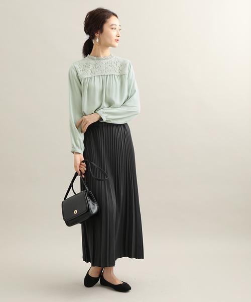 秋の通勤コーデ:スカートスタイル