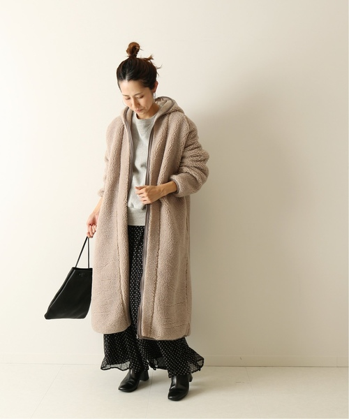 ボアコートの今日の服装【スカート】
