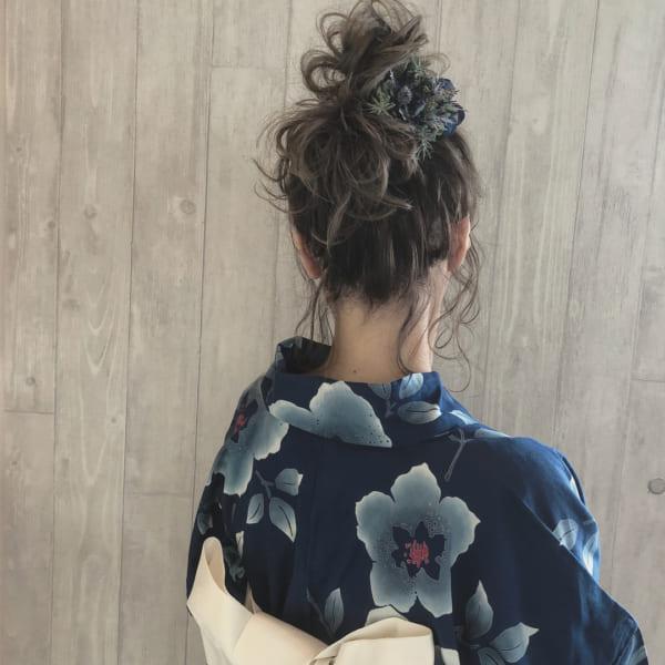 和装・浴衣向け⑦高めのふんわりまとめ髪