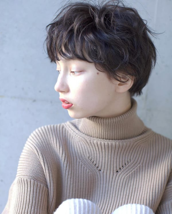 30代ショートボブ×黒髪カジュアル