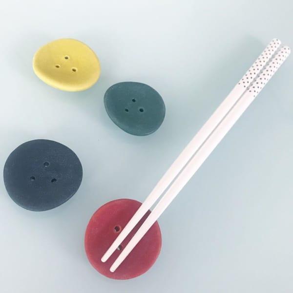 【キャンドゥ】ボタン型箸置き