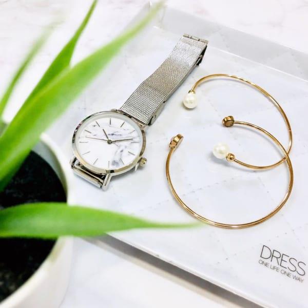 【ダイソー】大理石風レディース腕時計
