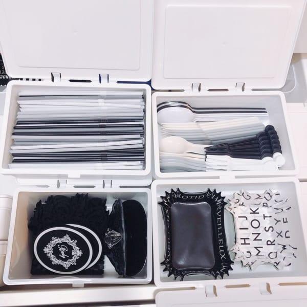 キッチン整理にも便利なフタがとまるケース